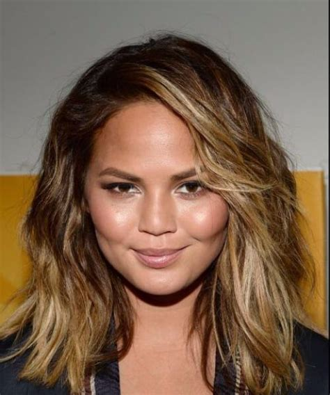 beach waves for round face chrissy teigen haircuts for round faces beauty