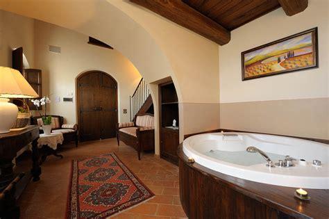 weekend romantico idromassaggio in weekend romantico spa e suite con idromassaggio in umbria