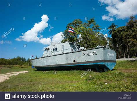 speed boat cost police patrolboat 813 speed boat coast guard washed