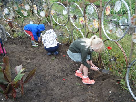 Garden Ideas For Schools Peoples Community Garden Ipswich Activgardens Outdoor Community Resource