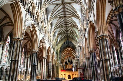arquitectura de interior arquitectura gotica interior buscar con arts