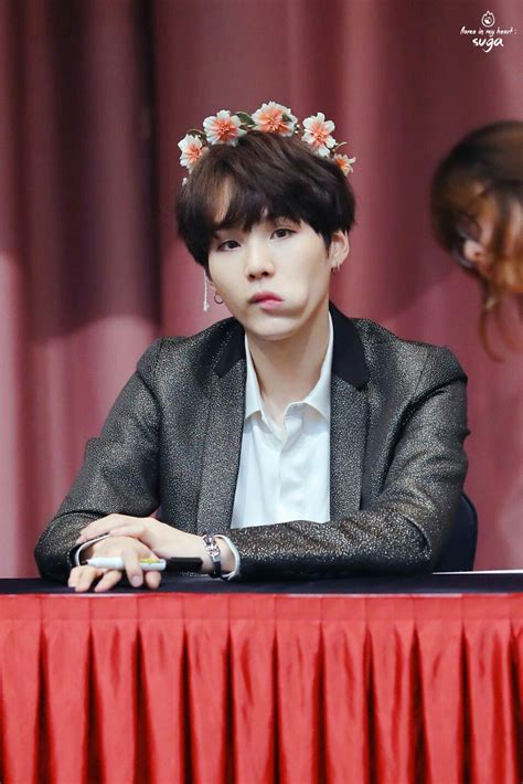 bts fansign suga is beautiful bts at the jongro fansign bts 방탄소년단