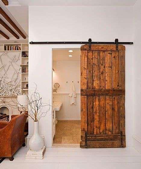 arredare riciclando idee idee per arredare casa riciclando porta realizzata con