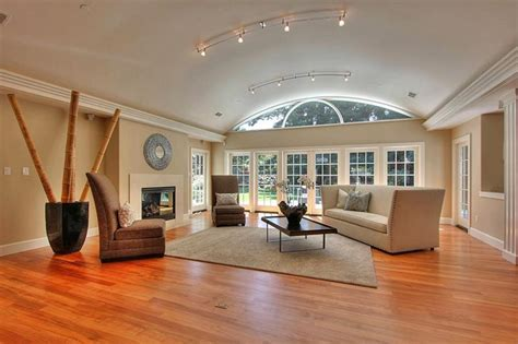 vaulted living room ceiling 24 living rooms with vaulted ceilings page 4 of 5