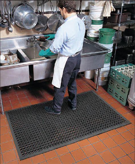 Restaurant Floor Mats Kitchen by Commercial Restaurant Kitchen Mats Are Drainage Kitchen