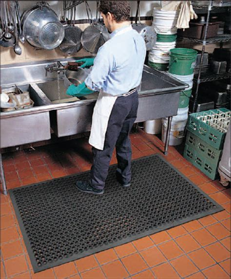 Commercial Restaurant Kitchen Mats are Drainage Kitchen