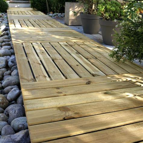 dalle de terrasse en bois dalle de terrasse en pin tingo 100 x 100cm 233 p 28mm