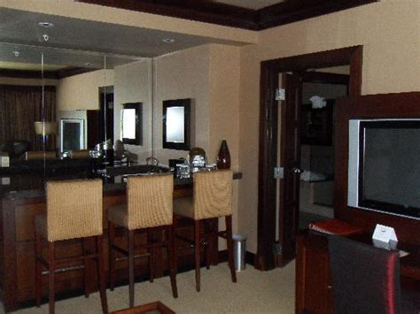 bar area in suite living room picture of silver reef