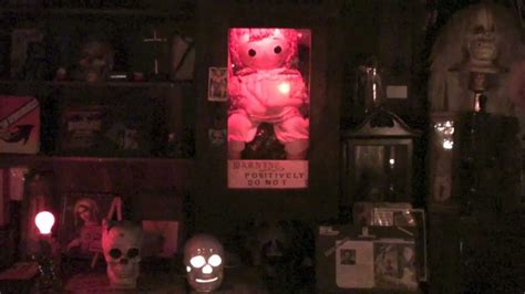 annabelle doll occult museum the conjuring occult museum annabelle tour with lorraine