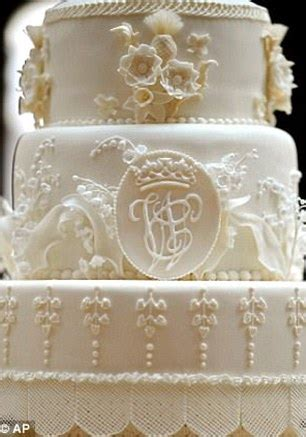 Hochzeitstorte William Und Kate by Of William And Kate S Royal Wedding Cake Sells For