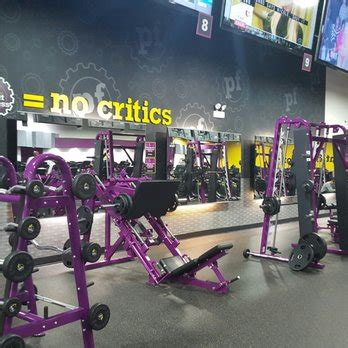 planet fitness no bench press planet fitness lincolnwood 20 photos 44 reviews