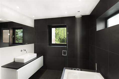 White Bathroom Floor Tile Ideas 10 Id 233 Es D 233 Co Salles De Bain Noir Et Blanc Contemporaines