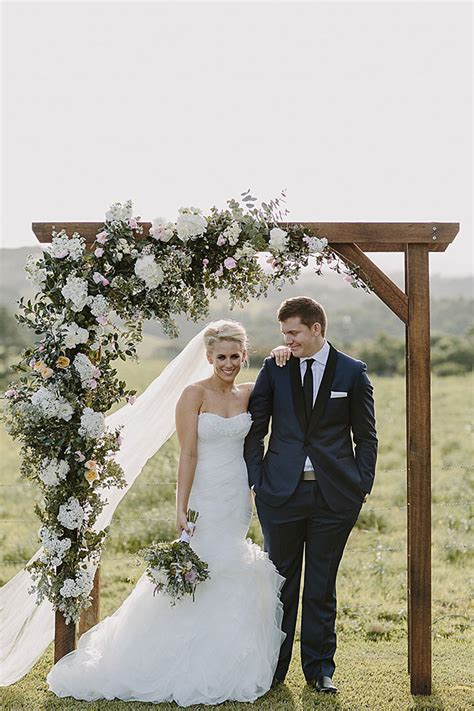 Simple Wedding Pictures by 30 Best Floral Wedding Altars Arches Decorating Ideas