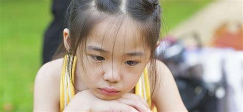 imagenes de niña triste qu 233 aprenden los ni 241 os de la tristeza