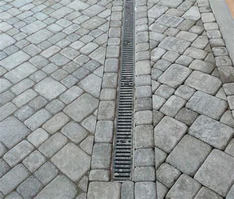 Paver Patio Drainage Best 25 Pavers Patio Ideas On Backyard Pavers Brick Paver Patio And Paver Patio