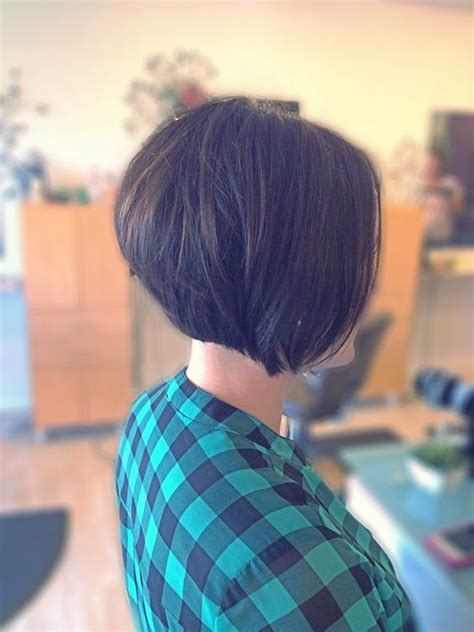 what does a stacked bob haircut look like stacked bobs short bobs and bobs on pinterest