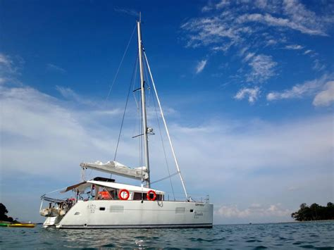 catamaran yacht charter singapore singapore private yacht charter while on a budget