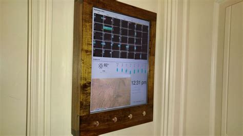Raspberry Pi Calendar Diy Raspberry Pi Wall Calendar Shows Your Day At A Glance
