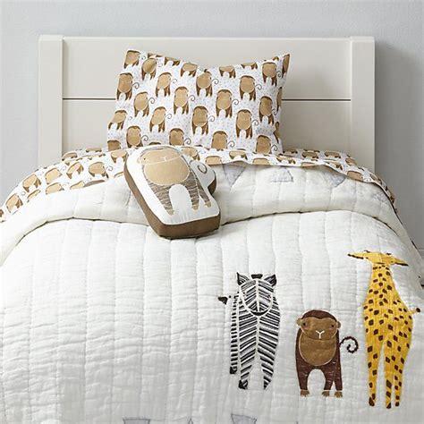 giraffe bedroom best 25 giraffe bedroom ideas on pinterest giraffe room