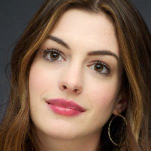 how anne hathaway became the most hated celeb in hollywood how anne hathaway became the most hated celeb in hollywood