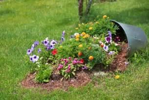 garten blumen pflanzen kreative gartenidee blumen attraktiv pflanzen und