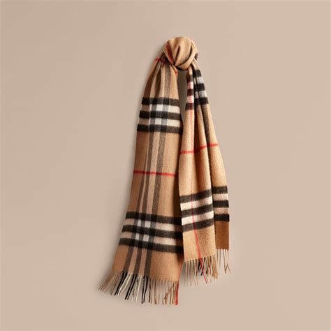 7 essential s scarves for this winter thither