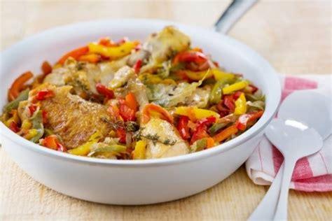 recette cuisine poulet recettes de poulet basquaise par l atelier des chefs