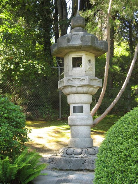 Japanese Garden Lantern by Japanese Garden Lanterns Www Pixshark Images