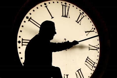 time change 2015 americans spring into daylight saving time while others