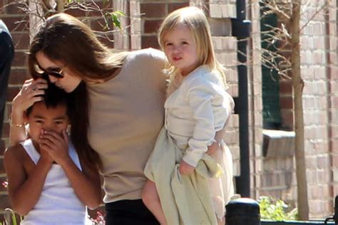 imagenes de la familia jolie pitt la familia jolie pitt al completo recibe a la primavera en
