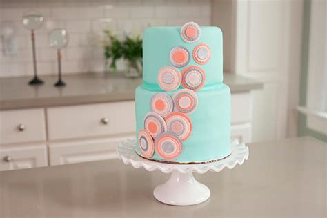 learn cake decorating at home learn to decorate cakes at home learn to decorate cakes