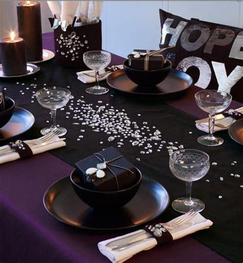 Modern Table Settings trend kerst 2010 6 modern met zwart paars en zilver