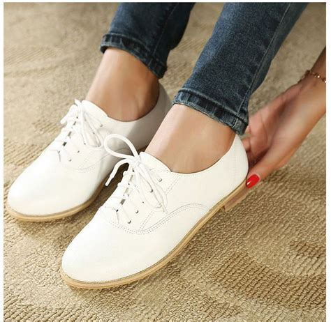 white oxfords shoes best 25 white oxford shoes ideas on toms