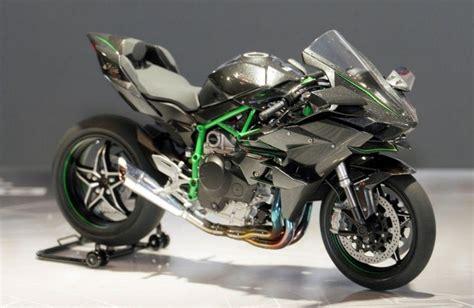 #14131 Tamiya   1/12 Kawasaki Ninja H2R
