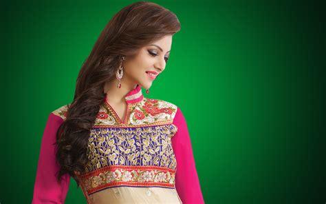 actor urvashi urvashi rautela beautiful actress beautiful hd wallpaper