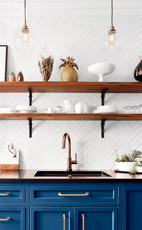 10 Lovely Kitchens With Open Shelving