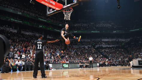 zach lavine brings  dunk contest     night