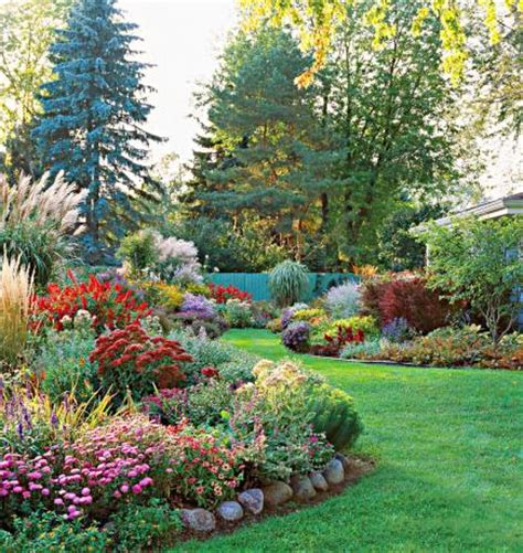 35 Beautiful Backyards Midwest Living Outdoor Gardening Beautiful Garden Backyard