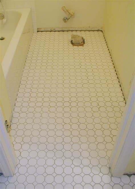 laminate floor tiles bathroom 30 magnificent pictures bathroom flooring laminate tile effect