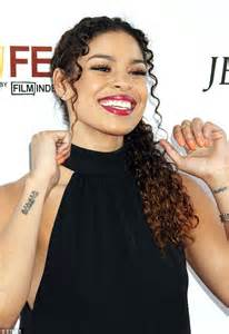jordin sparks writhes in pain during tattoo session in new