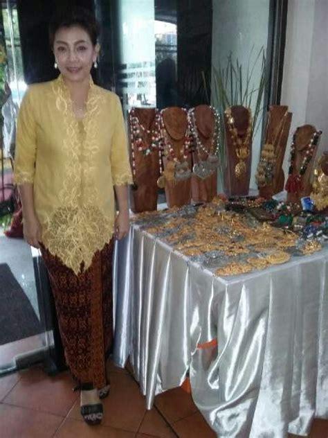 Kain Sarung Fashion Anggun 40 best images about kebaya sarung batik on