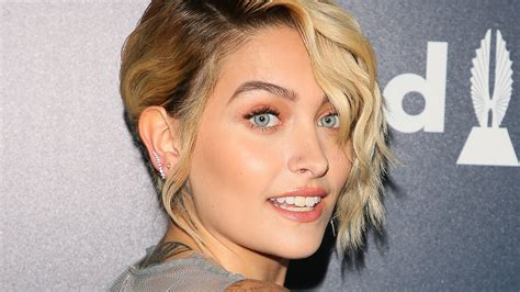 paris jackson robbed by hitchhikers after she helps them