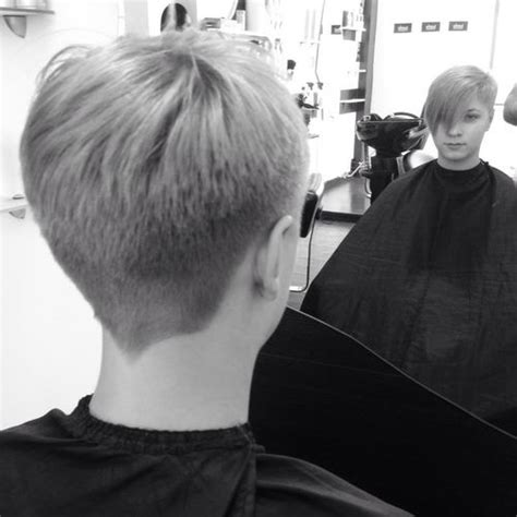 tapered nape haircut pictures men very nice tight tapered quot v quot nape growing it out pinterest