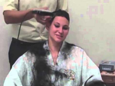 wife gives husband a buzz cut ta77 net youtube original susan gets a buzz cut doovi
