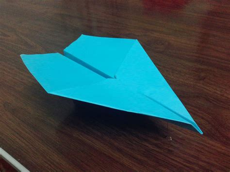 Paper Airplanes That Fly Far And Are Easy To Make - how to make a paper airplane that flies far and