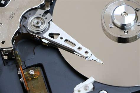 disco fisso interno disk rumoroso cosa fare di informatica e