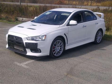 Used 2010 Mitsubishi Lancer Evolution Photos 2 0