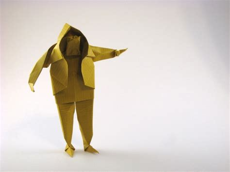 Origami Person - sculptural origami by saadya sternberg book review gilad