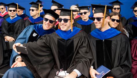 Mba Focus Graduation Year Is Wrong by Warby S 7 Lessons For New Grads Social Impact