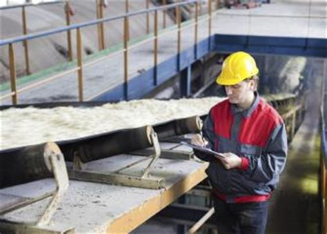quality inspectors occupational outlook handbook u s bureau of labor statistics